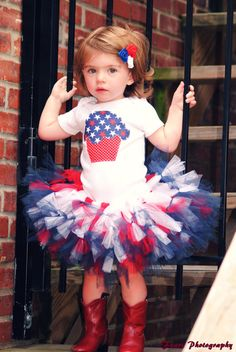 I want this for my Independence Day baby's birthday party! $40 on Etsy