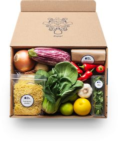 Meal kit delivery company Blue Apron is cutting nearly a quarter of its staff amid a rough transition to a public company. Bloomberg reports that Blue Apron is… Vegetable Packaging, Meal Delivery Service, Delivery Food, Healthy Delivery, Box Delivery, Special Delivery, Wine Delivery, Blue Apron, Food Packaging