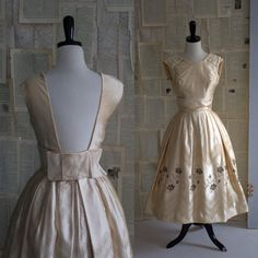 WOW. Champagne 50s Vintage Cocktail Dress with low back.