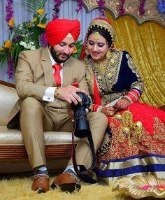 Sikh Wedding Dress, Punjabi Wedding Couple, Indian Wedding Couple Photography, Wedding Couple Photos, Punjabi Couple, Couple Photography Poses, Bridal Poses, Wedding Poses, Wedding Couples