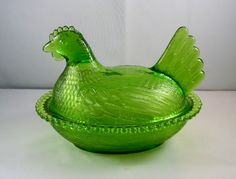Rare Vintage Lime Green Hen On A Nest Indiana Glass Beaded Edge