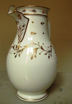 Verseuse (cafetière, Théière)  En Porcelaine De Paris Dorée, époque Empire Début XIXe