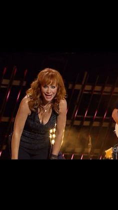 Queen of Country Country Music Stars, Country Music Singers, Country Artists, Country Women, Country Girls, Reba Mcentire, Loretta Lynn, Queen Pictures, Female Friends
