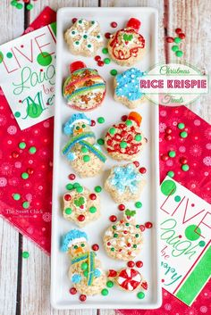 Christmas Rice Krispie Treats @www.thesweetchick.com