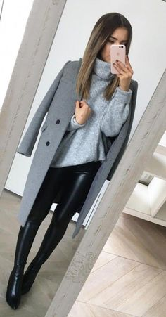 70 Winter Outfits Ideas for Women Casual and Sexy Look Fashion is all about consistency. Just because it is winter does not mean that you wear outdated clothes. Winter Fashion Outfits, Fall Winter Outfits, Work Fashion, Autumn Winter Fashion, Fashion Fashion, Winter Office Outfit, Fashion Ideas, Holiday Outfits Women, Fashion History