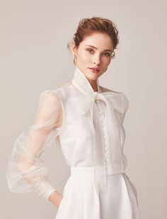 Look Fashion, Trendy Fashion, Fashion Design, Blouse And Skirt, Mode Inspiration, Pretty Dresses, Wedding Gowns, Modest Wedding, Bridal Gown
