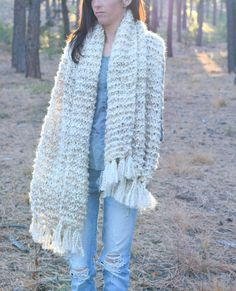 Give the gift of comfort with the Sedona Serenity Shawl by Mama In A Stitch! Beginner Knitting Patterns, Knitting Kits, Knitting For Beginners, Loom Knitting, Knitting Designs, Free Knitting, Knitting Projects, Yarn Projects, Knitted Shawls