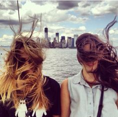 /// wonder why they call it windy city ///