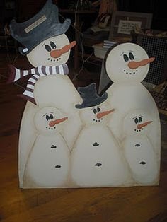 Wooden snowman family!! After I have all my kiddos!!