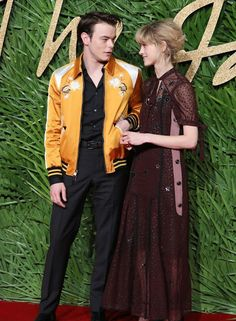 http://ift.tt/2AollNw http://ift.tt/2BHTc25  Stranger Things co-stars and cute couple Charlie Heaton and Natalia Dyer are walking another red carpet together!  The couple paired up for the 2017 Fashion Awards on Monday night (December 4) at Royal Albert Hall in London England.  If you missed it check out the photos of Charlie and Natalia holding hands last month in Paris France! Those were the first photos that seemingly confirmed the co-stars were more than just co-stars!  FYI: Charlie and…