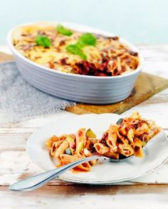 Kinkku-pennelaatikko | K-Ruoka #pasta Penne, Macaroni And Cheese, Side Dishes, Healthy Recipes, Healthy Food, Favorite Recipes, Koti, Cooking, Ethnic Recipes