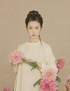 Chinese model Xin Yuan Zhang