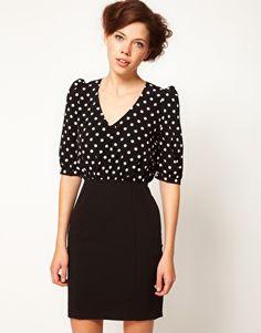 Enlarge A Wear Spot Contrast Dress