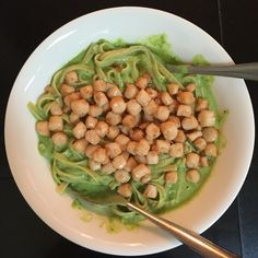 Peas pure pasta with scallops