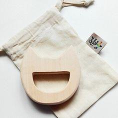 Anneau de dentition Chat BIO Bébé  Montessori par GodSavetheTeatime