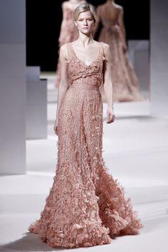 Elie-Saab-Spring-2011-Haute-Couture-Kasia-Struss.jpg 320×480 pixels