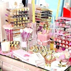 For More MAKEUP COLLECTION IDEAS For Your Beauty Room to organize your growing beauty & with the best, top quality organizers for your and vanity for the Beauty the and those who love ALL Things Love Makeup, Beauty Makeup, Beauty Vanity, Makeup Set, Makeup Ideas, All Things Beauty, Girly Things, Dispositions Chambre, Rangement Makeup