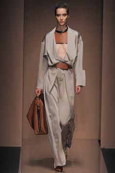 Gianfranco Ferré Fall 2013 Ready-to-Wear - Collection - Gallery - Style.com