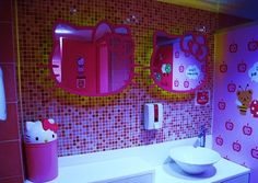 Creating Hello Kitty Bathroom Ideas For Your Kids ~ Bathroom Decor Hello Kitty Zimmer, Hello Kitty Haus, Hello Kitty Bathroom, Hello Kitty Rooms, Sanrio, Otaku Room, Bathroom Images, Bathroom Ideas, Hello Kitty Collection