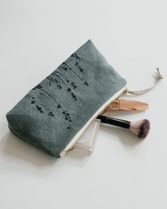 Heavy linen makeup bag made with organic linen and beeswaxed cotton — kaliko Embroidery Bags, Embroidery Designs, Toiletry Bag, Tote Bag, Pouch Bag, Pochette Diy, Organic Nails, Organic Baby Clothes, Fabric Bags