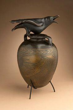 william-morris+T1-Raven-Jar+D1-Bronze-Edition-of-12-25-x-16-x-13in+FN-B_Raven-Jar