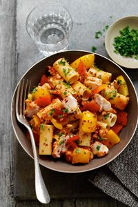 Try this Slimming World Hake and rigatoni pasta recipe for a lovely low-calorie lunch or dinner. Hake Recipes, Gnocchi Recipes, Easy Pasta Recipes, Veggie Recipes, Fish Recipes, Seafood Recipes, Yummy Recipes, Beef Dishes, Pasta Dishes