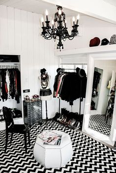 For most women, a dreamy walk-in closet is a must-have feature for any dream house. Who can't resist a space that is filled with your favorite designer dresses, Chanel handbags, jewelry and decorated with fresh flowers? Earlier, we published our favorite closet posts (dreamy walk-in closetsand the biggest closet in the world). Since then, we …