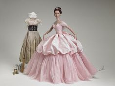 "Another fashion inspiration by Tonner Dolls: The ""Cinderella Rose"" gift set - She was an FAO exclusive"