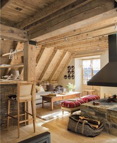dachgeschoss ausbauen einrichtungstipps dachgeschoss The Effective Pictures We Offer You About country style decor diy A quality picture can tell you many things. Sweet Home, Cabin Interior Design, House Design, Cottage Design, Small Wooden House, Log Cabin Living, A Frame House, Country Style Homes, Cottage Interiors