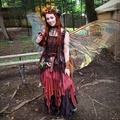 """elvenrealm: """"From the renaissance festival on Saturday! I had a jolly time ^_^ Instagram: Lotheriel """""""