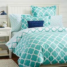 Whether your style is simple or bold, Pottery Barn Teen's girls duvet covers will let your personality show. Find bold colored and printed duvet covers for twin, full, queen and king beds. Blue Teen Girl Bedroom, Teen Girl Bedrooms, Girl Room, Turquoise Teen Bedroom, Tiffany Blue Bedroom, Turquoise Room, Dorm Bedding, Bedding Sets, Pb Teen Bedding