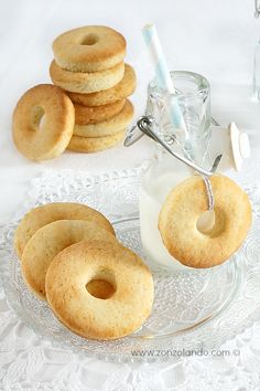 Biscotti alla panna (Macine) - Fresh cream shortbread cookies | From Zonzolando.com
