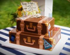 i like the travel cake if i do some thing like this i would want vinella,chockolet,limon,and carrit cake but of cors differint layers.