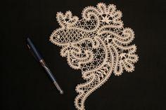 Irish Crochet, Crochet Lace, Lace Art, Lace Jewelry, Gold Work, Lace Patterns, Bobbin Lace, Artist At Work, Lace Detail