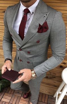 Suit Colors For Men [Updated May Grey colored suit with red tie and pocket square image.Grey colored suit with red tie and pocket square image. Suit With Red Tie, Suit And Tie, Red Ties, Mode Costume, Designer Suits For Men, Bespoke Suit, Herren Outfit, Mens Fashion Suits, Mens Suits Style