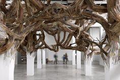 Art_Enrique Oliveira_http://www.henriqueoliveira.com/