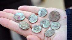 Как почистить старинные монеты