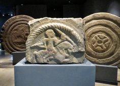 Estelas gigantes discoideas prerromanas en el Museo de Prehistoria y Arqueología de Cantabria (España). MVPAC