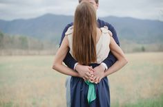Gorgeous outdoor engagement by Dixie Pixel