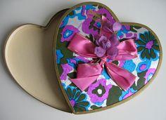 Vintage 60s Valentine Candy Heart Box          ❤ ❤ ❤