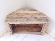 Reclaimed and Recycled Wood - TV Stands - Ideas of TV Stands - Handmade Rustic Corner Table/Tv Stand. by RemyDicksonDesigns Corner Tv Stands, Corner Table, Corner Space, Table Tv, Corner Unit, Wood Projects, Woodworking Projects, Woodworking Machinery, Woodworking Supplies
