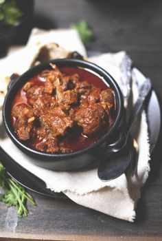 Laal Maas (True), Rajasthani Red Mutton Curry {Indian recipes}
