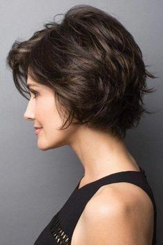 Today we have the most stylish 86 Cute Short Pixie Haircuts. We claim that you have never seen such elegant and eye-catching short hairstyles before. Pixie haircut, of course, offers a lot of options for the hair of the ladies'… Continue Reading → Short Sassy Haircuts, Wavy Bob Haircuts, Short Hairstyles For Thick Hair, Short Wavy Hair, Modern Haircuts, Pixie Haircut, Hairstyles Haircuts, Curly Hair Styles, Boy Haircuts