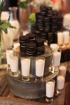 Oreos and milk shot bar is genius for a specialty bar for your Sweet Sixteen or wedding! #oreoandmilkshooters, #sweetsixteenbarideas, #specialtybars.