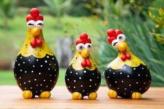 Chicken Crafts, Chicken Art, Diy Crafts Hacks, Crafts To Do, Diy Clay, Clay Crafts, Coconut Shell Crafts, Ceramic Chicken, Paper Mache Sculpture
