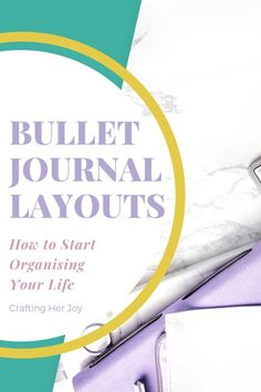 There are loads of different options for your bullet journal layouts from daily planners to monthly at a glance, habit trackers, spending trackers and space to doodle. Find out more about the different layouts and pages to help you decide what is best for Bullet Journal Weight Loss Tracker, Bullet Journal Monthly Spread, Bullet Journal Hacks, Bullet Journal Layout, Bullet Journal Inspiration, Journal Ideas, Habit Trackers, Daily Planners, Organize Your Life