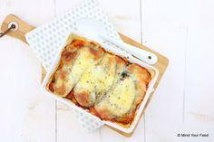 Een heerlijke schaal met comfort food! Deze zoete aardappel lasagne met aubergine, spinazie en mozzarella maakt elke koude…