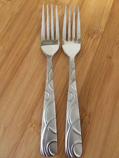 Cambridge Conquest Frosted Glossy Curved Lines Stainless 2 Salad Forks 7 1 8"