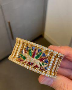 Cartier, Diamond, Videos, Bracelets, Bags, Instagram, Handbags, Diamonds, Bracelet