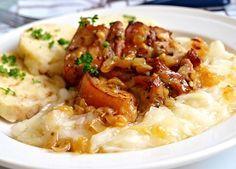 Moravský vrabec, kedlubnové zelí No Salt Recipes, Snack Recipes, Cooking Recipes, Snacks, Czech Recipes, Ethnic Recipes, Risotto, Potato Salad, Mashed Potatoes